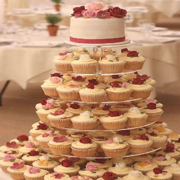 Dark Vintage Wedding cupcakes by .uk, via Flickr    its possible I could attempt this... have a del